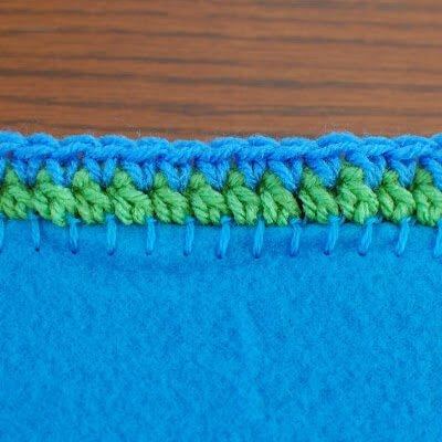 Two-Round Design Crochet Border Pattern | www.petalstopicots.com