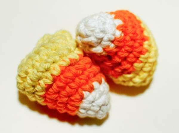 Free Candy Corn Crochet Pattern - This crochet candy corn is a delicious little pattern and completely sugar free!