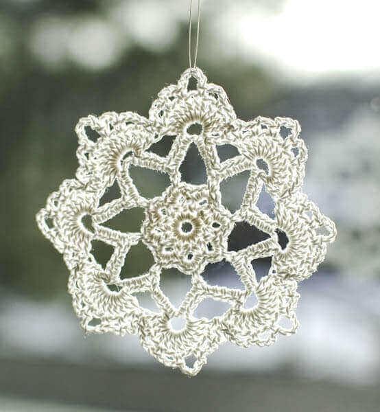 Grandma Jennie's Snowflake Pattern: Part 2 | www.petalstopicots.com | #crochet