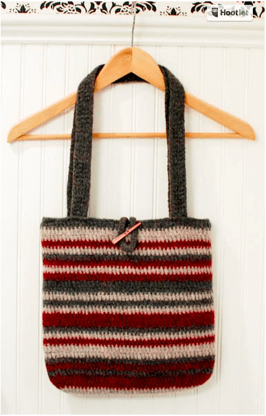 Felted Bag Crochet Pattern | www.petalstopicots.com | #crochet #tote #bag #purse #pattern