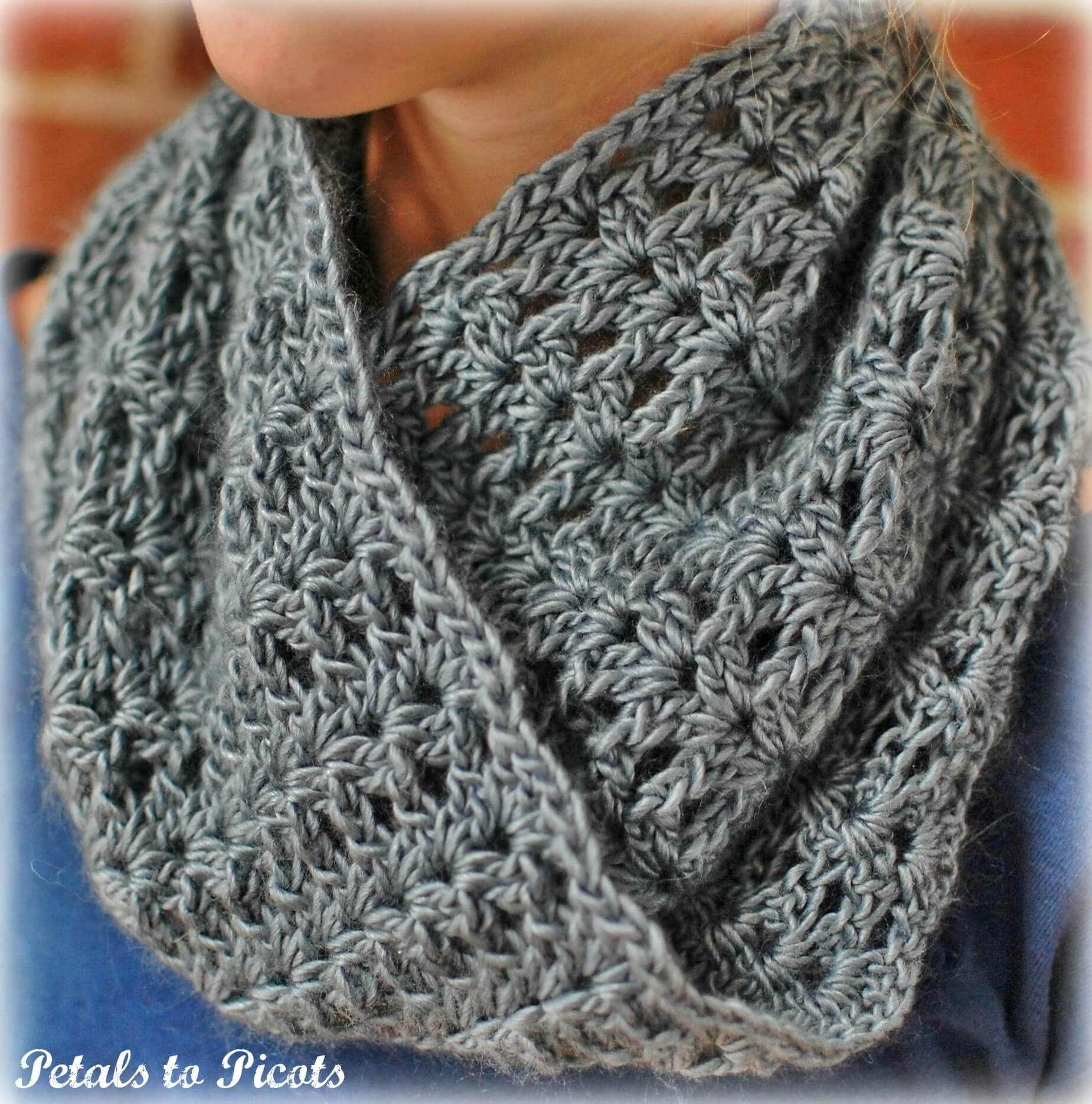 Free crochet pattern for mobius cowl manet for mobius infinity cowl scarf petals to picots free crochet pattern bankloansurffo Gallery