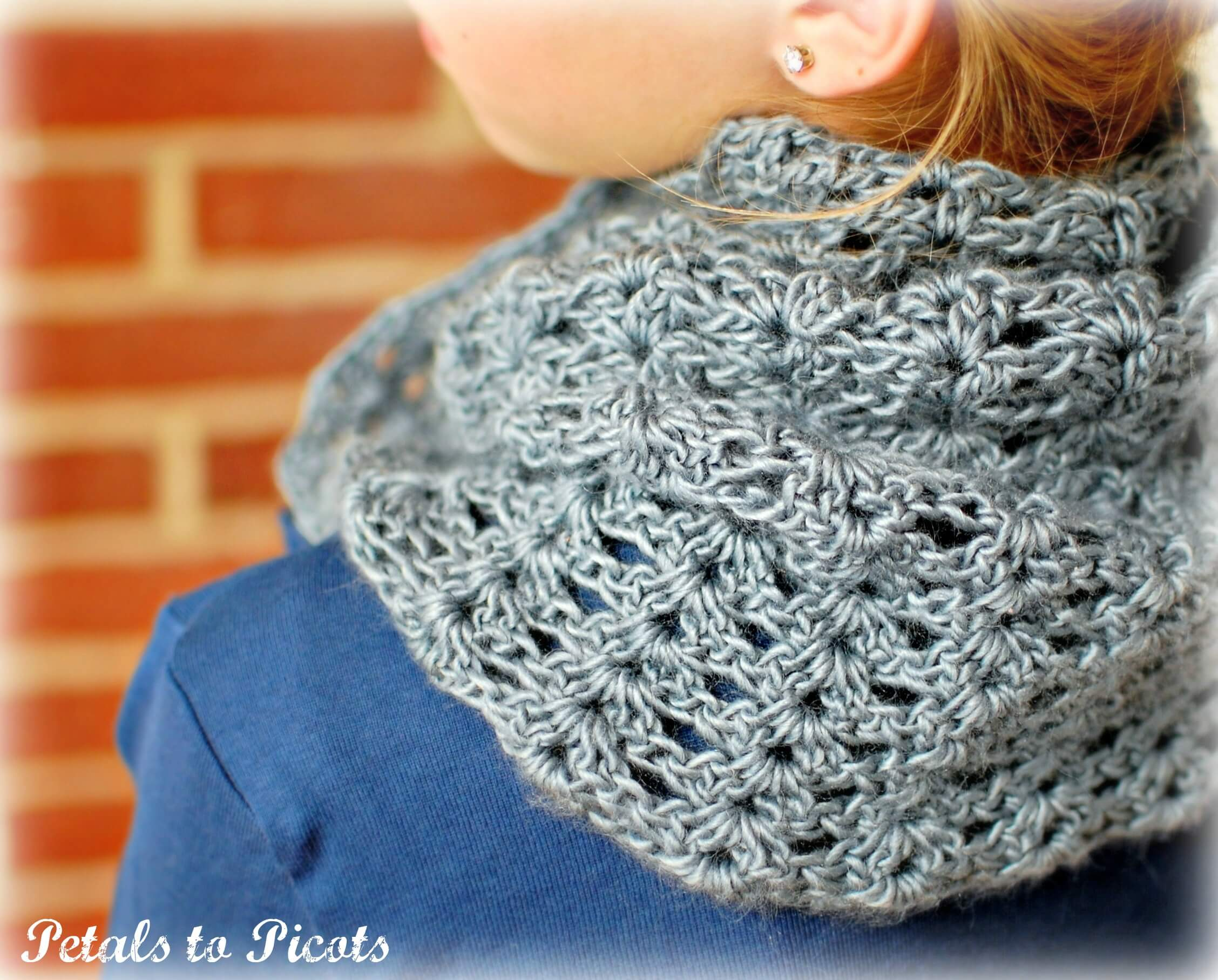 Mobius Scarf Knitting Pattern Infinity : Mobius Infinity Cowl / Scarf Petals to Picots