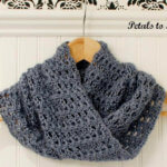 Mobius Infinity Cowl Crochet Pattern