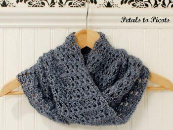 Mobius Infinity Cowl Crochet Pattern