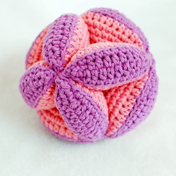 Crochet Clutch Pattern : crochet clutch ball pattern (2 of 5)