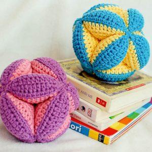 crochet clutch ball pattern (3 of 5)
