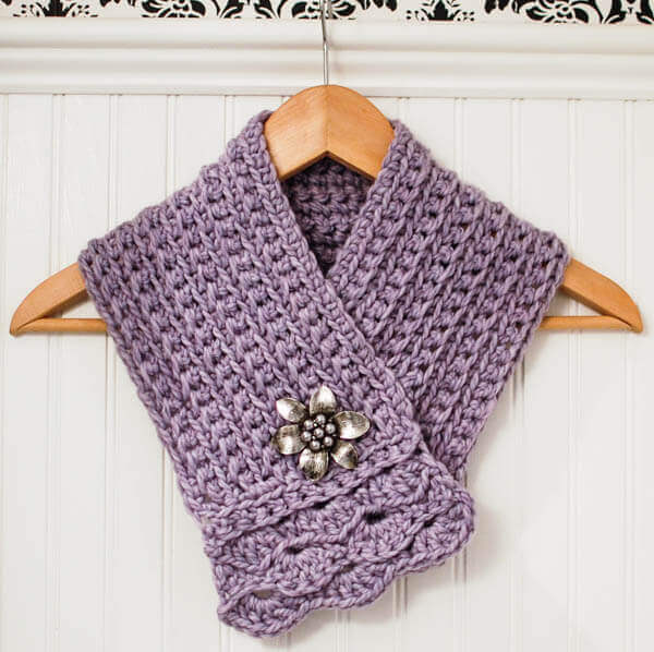 Crochet Pattern For Cowl Scarf : Pretty Scarflette / Cowl Crochet Pattern - Petals to Picots