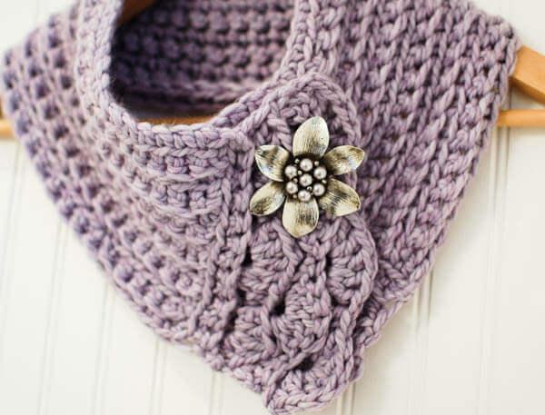 Free Quick Christmas Crochet Patterns : Pretty Scarflette / Cowl Crochet Pattern - Petals to Picots