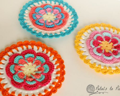 plates with crochet border