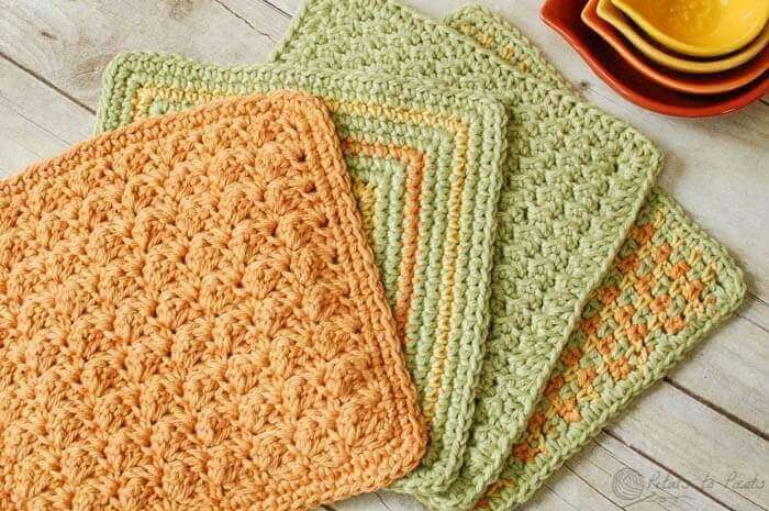 Quick and Easy Crochet Dishcloth Patterns | www.petalstopicots.com
