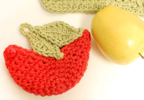 crochet apple cozy (2 of 2)