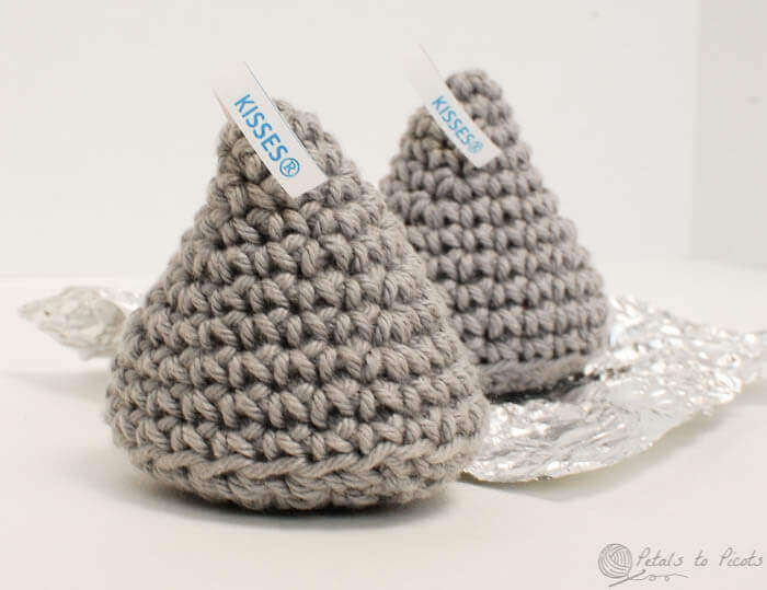 Free Crochet Pattern A Day : Crochet Kiss ? Inspired by Hershey - Petals to Picots