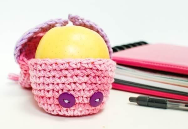 Crochet Owl Apple Cozy | www.petalstopicots.com | #crochet #owl