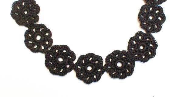 crochet flower choker (1 of 1)