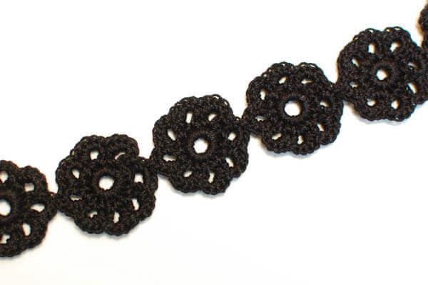 crochet flower choker (1 of 2)