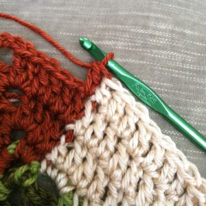 How to Change Colors in Crochet | www.petalstopicots.com