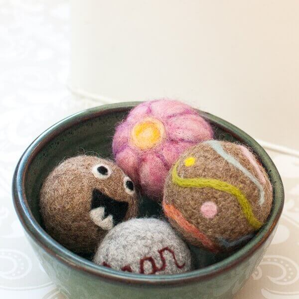 how to make felted wool dryer balls   petals to picots