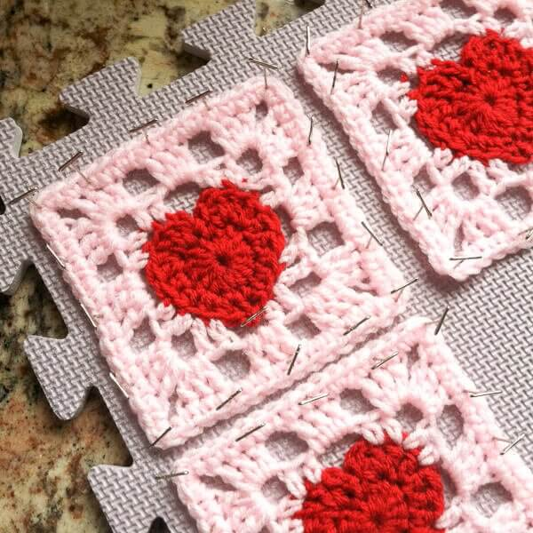 Crochet Pattern Granny Square : Heart Granny Square Crochet Pattern Petals to Picots