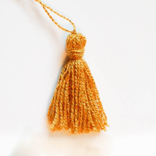 How to make tassels quickly and easily in any size you desire!