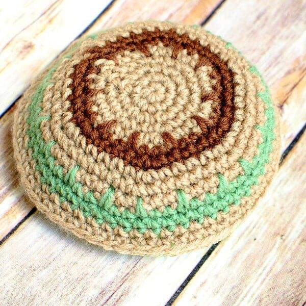 Crochet Patterns Kippah : Crochet Yarmulke Pattern - Petals to Picots