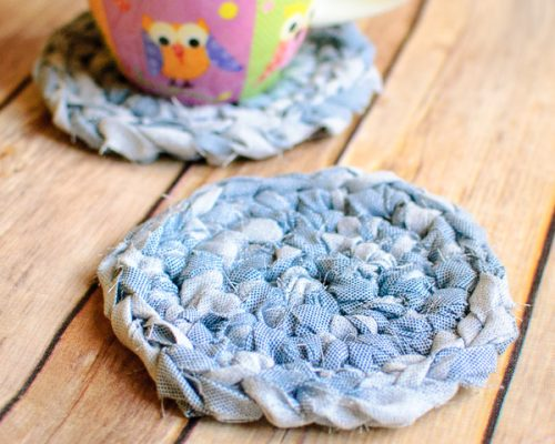 fabric yarn coasters (1 of 2)