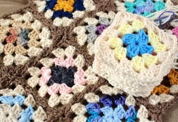 granny square scrapghan crochet along