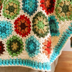 granny hexagon afghan border (3 of 5)
