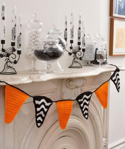 Halloween Banner Crochet Pattern by Kara Gunza