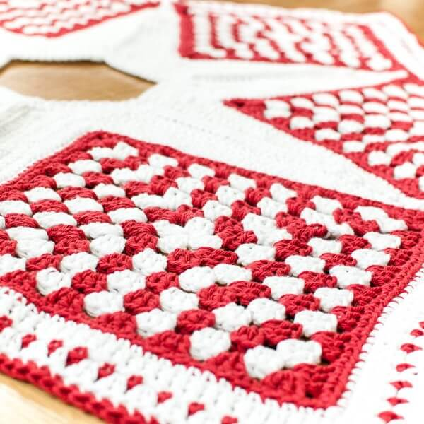 Crochet Christmas Tree Skirt Pattern ? Part 3: The Edging ...
