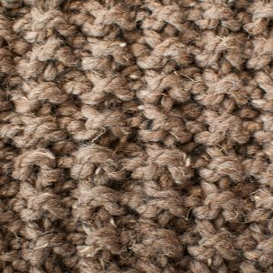 Quick and Comfy Knit Scarf Pattern www.petalstopicots.com #knit #knitting