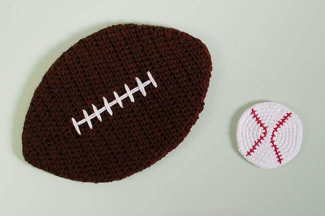 Crochet Sports Cork Board Patterns | www.petalstopicots.com | #crochet #sports #football #baseballl #decor #patterns