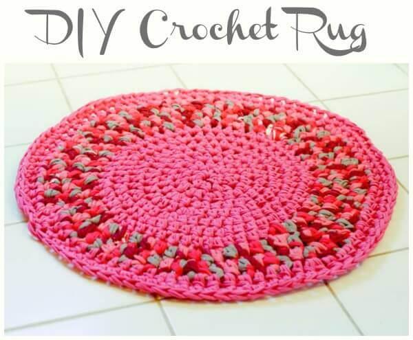 DIY Crochet Rug | Www.petalstopicots.com | #crochet #home #decor