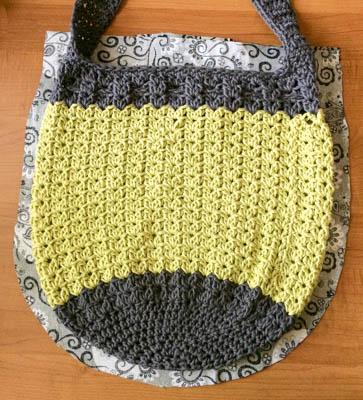 Lining a Crochet Bag | www.petalstopicots.com | #crochet #pattern #bag #tote #purse #summer