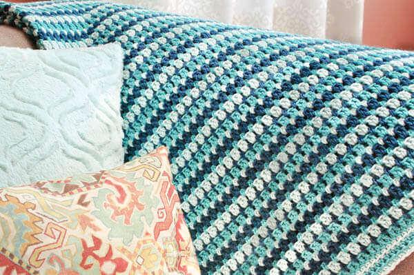 Crochet Blanket Patterns : Crochet Afghan Pattern www.petalstopicots.com #crochet #afghan ...