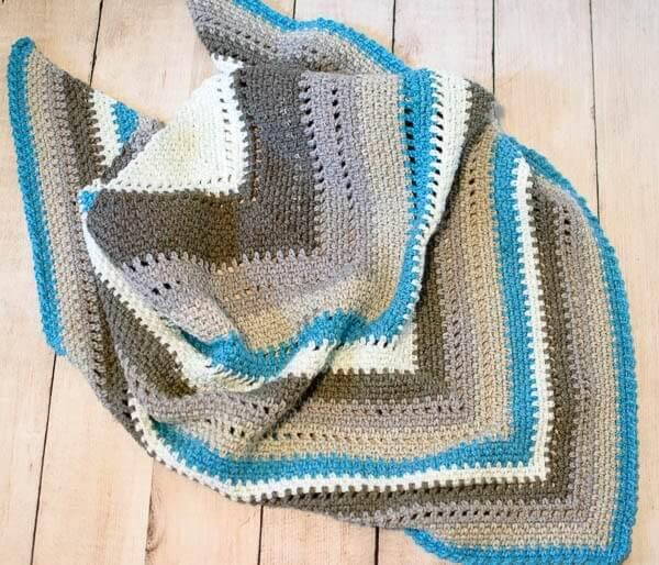 Cozy Striped Shawl Crochet Pattern   www.petalstopicots.com   #crochet #fiber