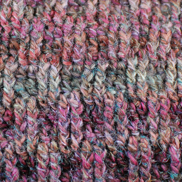 Post Stitch Cowl Crochet Pattern | www.petalstopicots.com