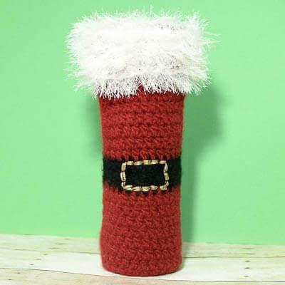 Felted Santa Wine Bottle Tote Crochet Pattern | www.petalstopicots.com | #crochet