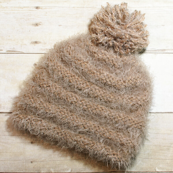 My favorite thing about chilly weather is getting to wear cute and cozy accessories and this fuzzy hat is perfect! Hope you enjoy this quick and easy knit hat pattern.