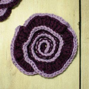 Spiral Flower Crochet Pattern | www.petalstopicots.com | #crochet