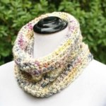 Chunky Crochet Cowl Pattern … Perfect for Beginners!