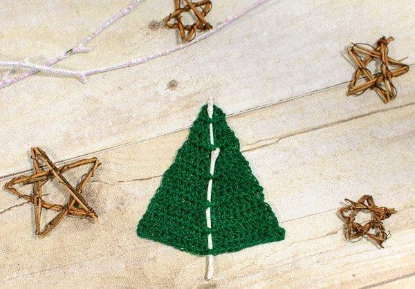 Woodland Christmas Tree Crochet Pattern | www.petalstopicots.com