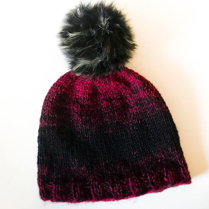 Easy Knit Hat Pattern for Beginners | www.petalstopicots.com