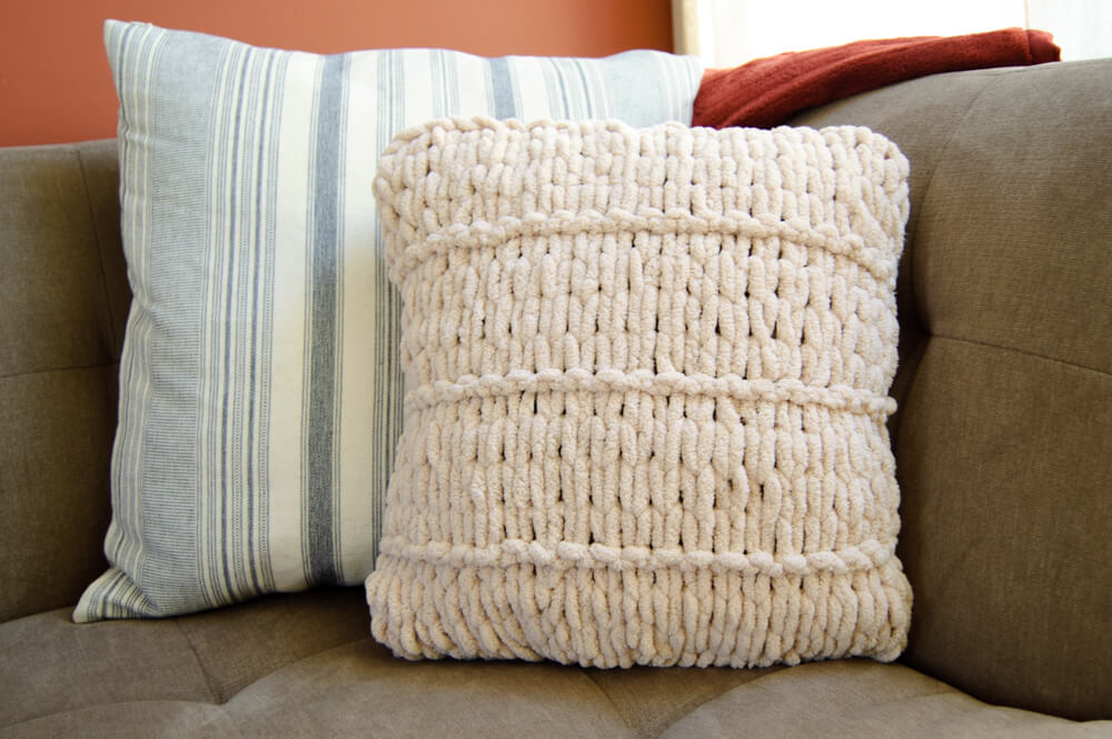 Loop Yarn Knit Pillow: Easy Finger Knitting Project!