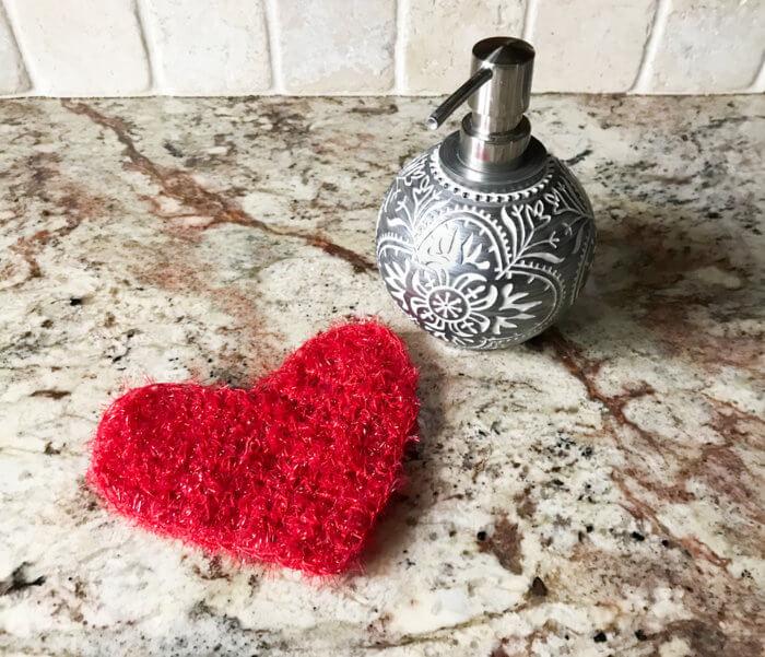 a single crochet heart pattern worked in rows